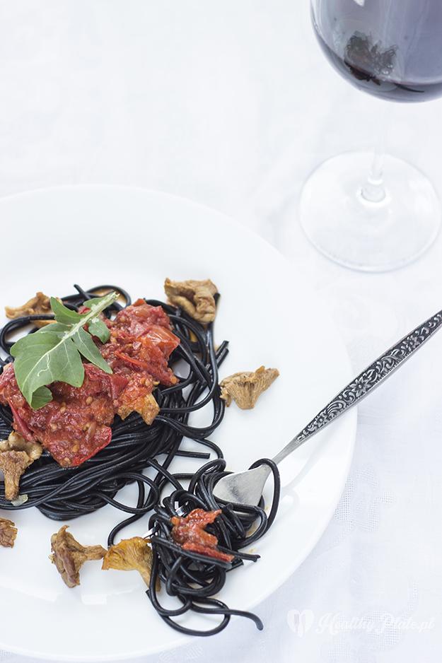 czarny makaron z kurkami_healthy_plate_V